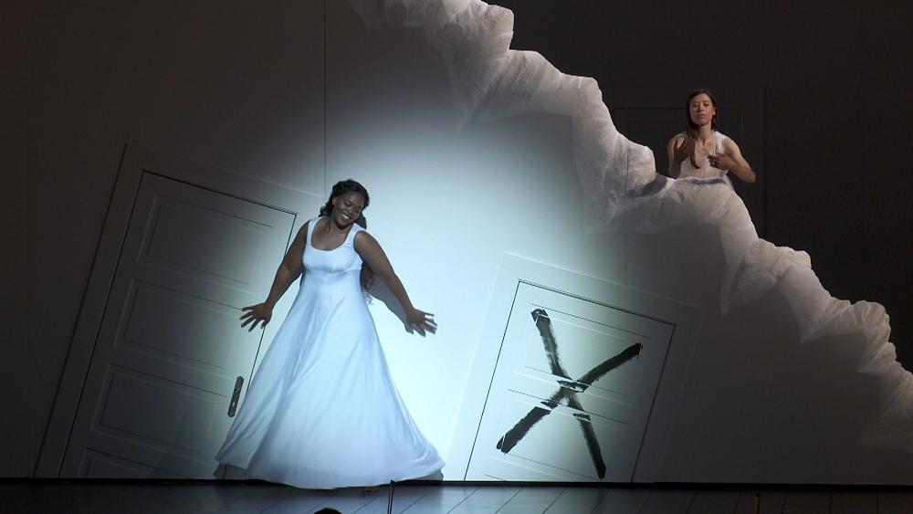 Rolando Villazón's dreamy sleepwalker 'La Sonnambula' enthralls Paris