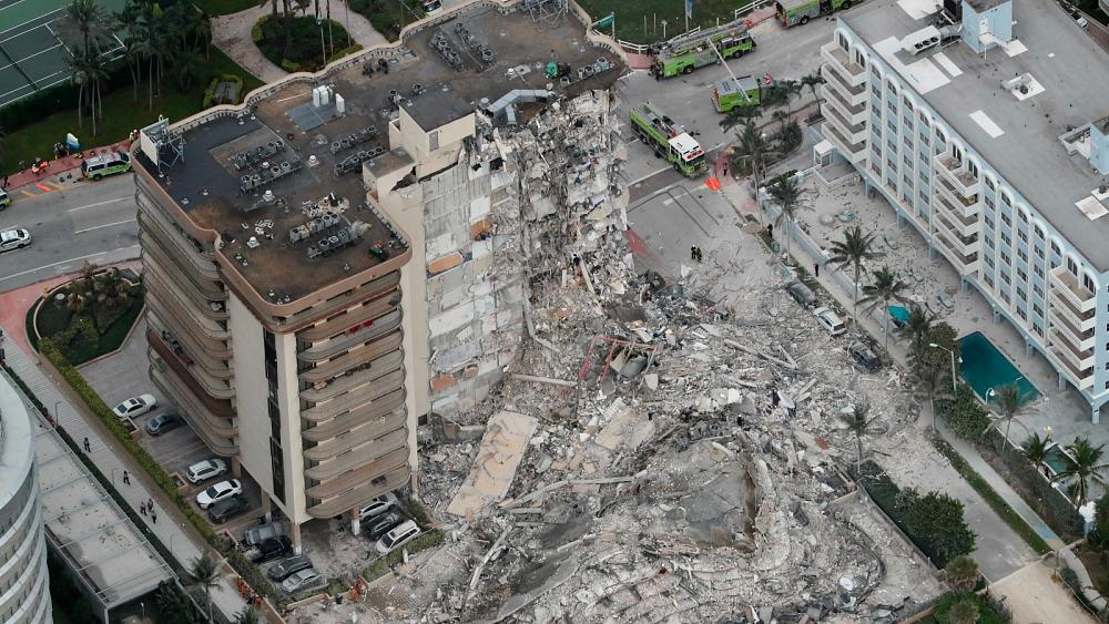 Florida building collapse: 100 people unaccounted for