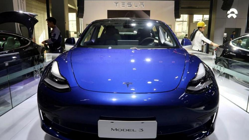 Tesla 'recalls' vehicles in China for online software update